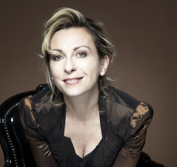 dessay mozart Soon after her hoffmann run, dessay joined the vienna state opera as blondchen in mozart's die entführung aus dem serail in december 1993, she was asked to replace cheryl studer in one of the three female roles in a production of hoffmann at the vienna state opera.