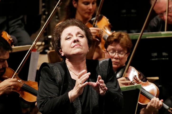 Ewa Podleś, contralto - Critique   Forum Opéra