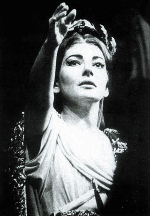 Maria callas 1977 2007 hommage - Norma casta diva testo ...